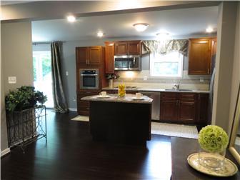 Renovated kitchen (photo 5)