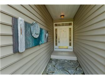 FRONT ENTRYWAY (photo 2)