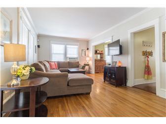 Living room with beautiful hardwood floors (photo 5)