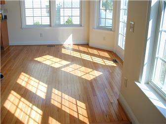 Eat In Kitchen with hardwood flooring. (photo 4)