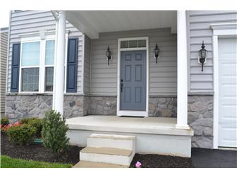 Nice Curb Appeal (photo 2)