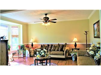 Lovely Formal Living Room (photo 4)