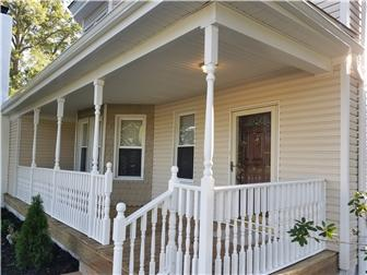Charming Victorian Covered Porch (photo 3)