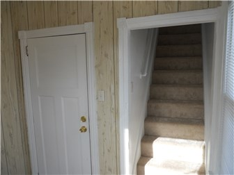 Entrance to upstairs units (photo 2)