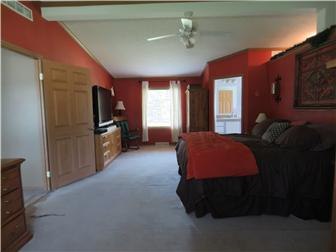 Master Bedroom w/ dual En Suite. (photo 4)