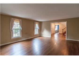 Formal Living Room with Hardwood Floor (photo 4)