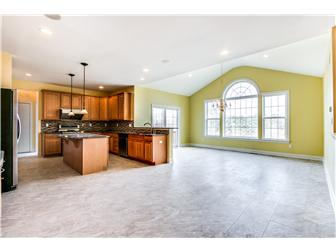 Incredibly Large Kitchen/Morning Room (photo 3)