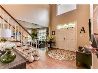Welcoming Entrance Foyer (photo 2)