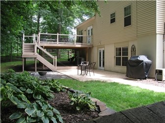 Backyard Oasis w/ Large Free-Standing Deck (photo 4)