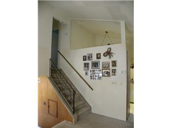 Stairway to Bedrooms (photo 5)