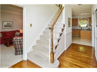 Hardwood Floor in Foyer (photo 3)
