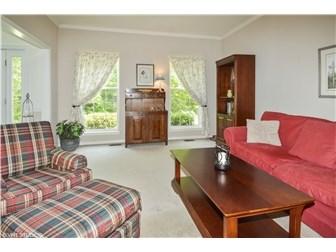 Lovely Living Room (photo 4)