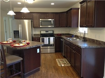 Spacious Central Kitchen (photo 2)