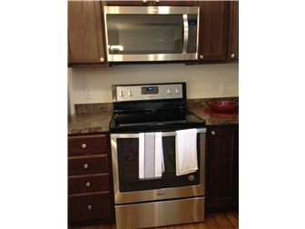 Upgraded Whirlpool Stainless Appliances (photo 5)
