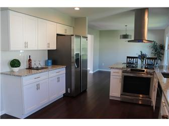 Kitchen with lots of cabinet space (photo 4)