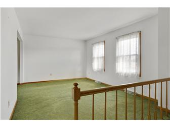 Bright living room. (photo 3)