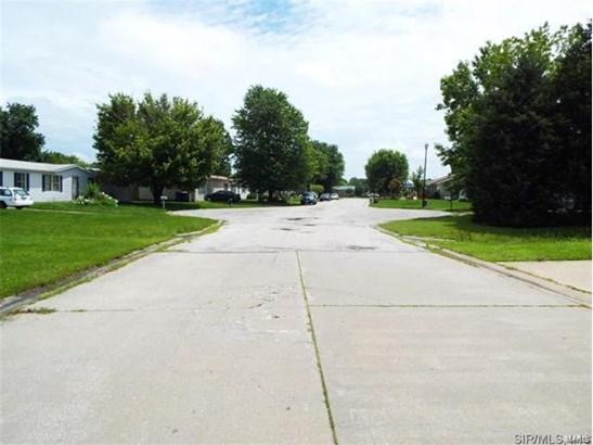 704 Lila Court, New Baden, IL - USA (photo 3)