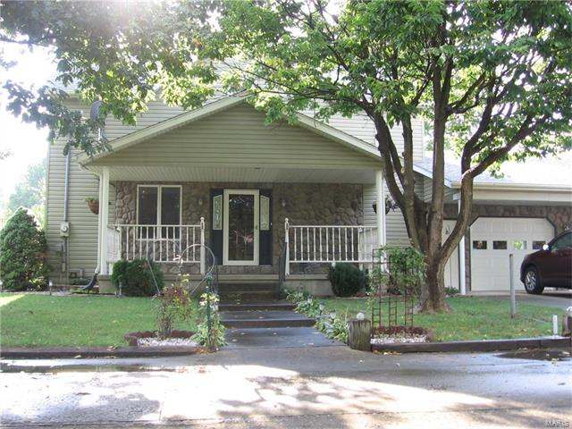707 North Street, Bartelso, IL - USA (photo 1)