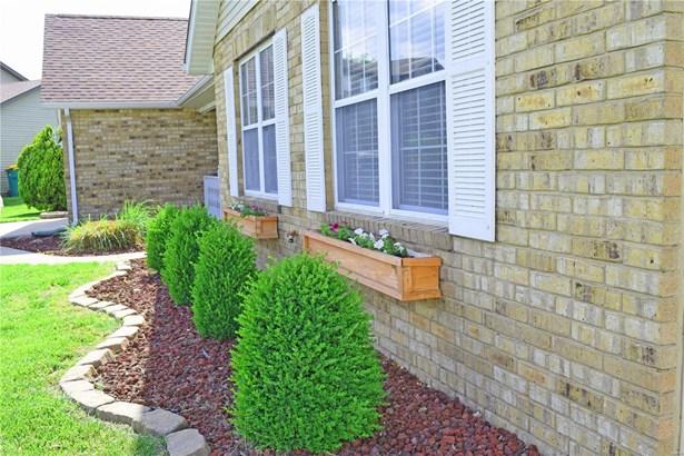 1447 Thunderbird Lane, Belleville, IL - USA (photo 2)