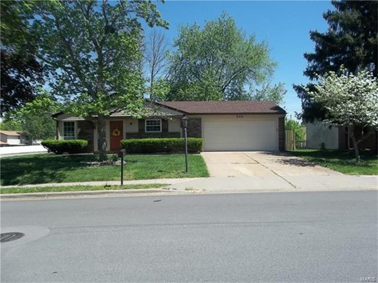 300 Joseph Drive, Fairview Heights, IL - USA (photo 1)