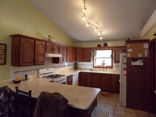 Single Family Residence, Ranch - Whitehall, MI (photo 3)