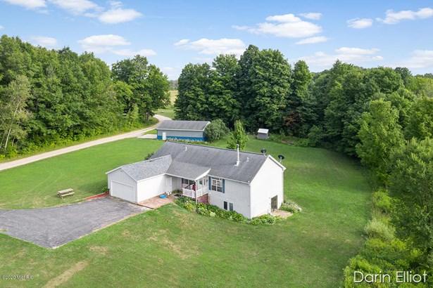 Single Family Residence, Ranch - Ionia, MI