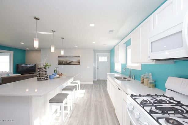 Single Family Residence, Contemporary - Shelbyville, MI (photo 5)
