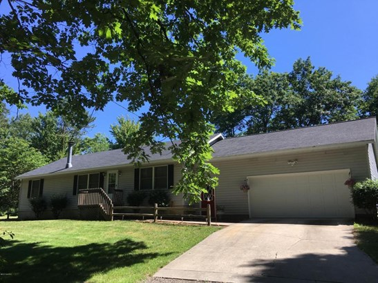 Single Family Residence, Ranch - West Olive, MI (photo 2)