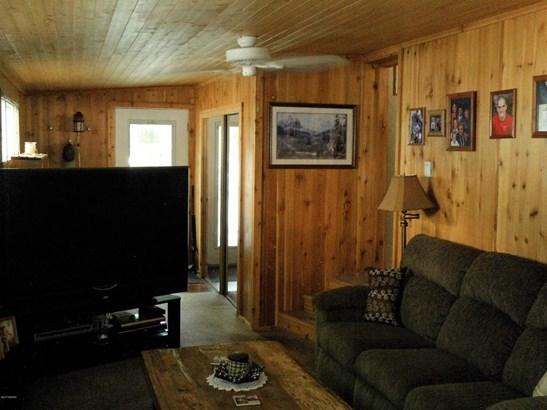 Single Family Residence, Mobile - White Cloud, MI (photo 4)