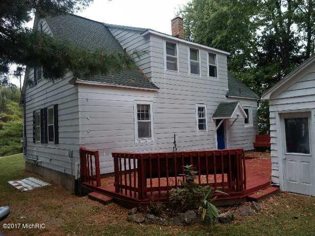 Cape Cod, Single Family Residence - Fremont, MI (photo 1)