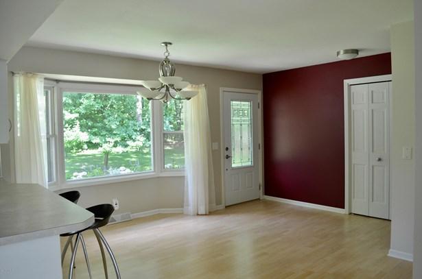 Single Family Residence, Ranch - Grand Rapids, MI (photo 3)