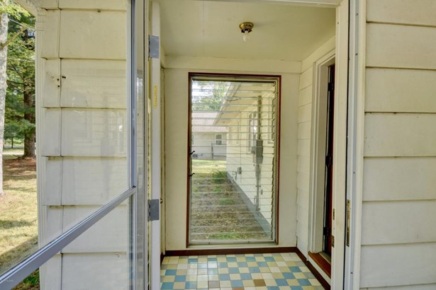 Single Family Residence, Ranch - Gladwin, MI (photo 3)