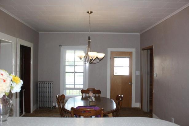 Single Family Residence, Victorian - Ionia, MI (photo 5)