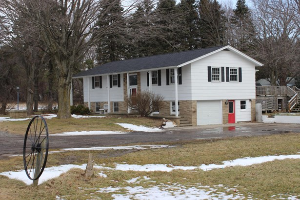 Single Family Residence, Ranch - Montague, MI (photo 1)