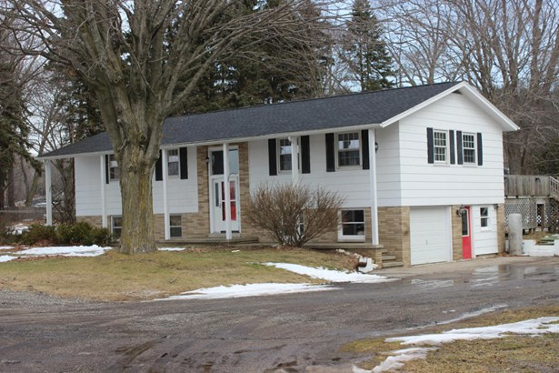 Single Family Residence, Ranch - Montague, MI (photo 2)