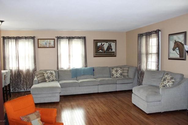 Single Family Residence, Ranch - Montague, MI (photo 4)