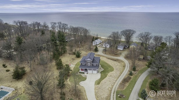 Single Family Residence, Traditional - West Olive, MI (photo 5)