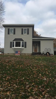Single Family Residence, Traditional - Ionia, MI (photo 2)