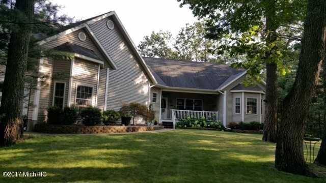 Single Family Residence, Contemporary - Twin Lake, MI (photo 1)