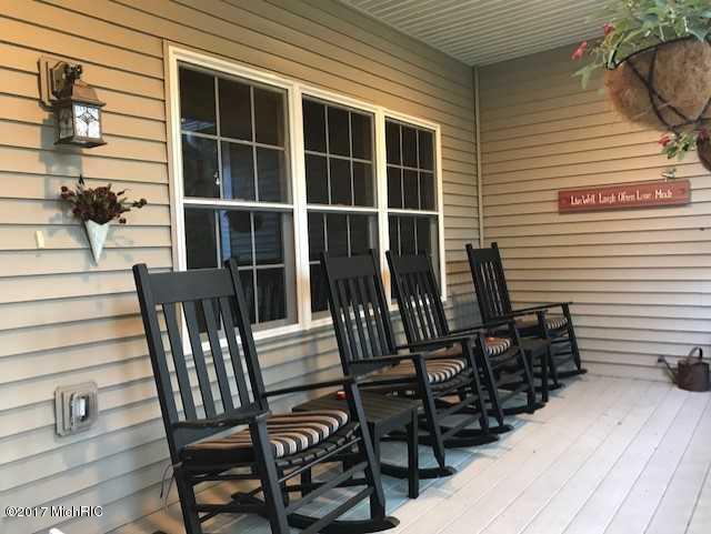 Single Family Residence, Contemporary - Twin Lake, MI (photo 3)