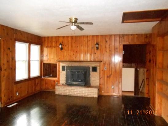 Single Family Residence, Ranch - Holton, MI (photo 3)