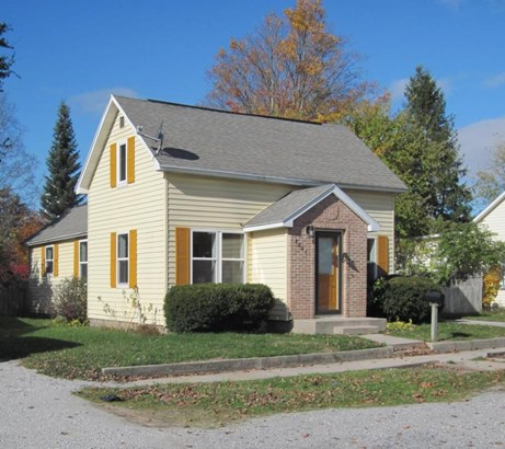 Single Family Residence, Traditional - Montague, MI (photo 1)