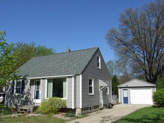 Cape Cod, Single Family Residence - Muskegon, MI (photo 1)