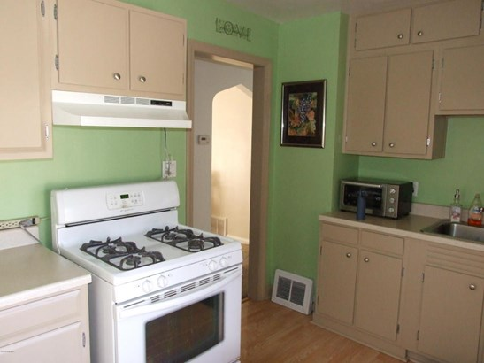 Cape Cod, Single Family Residence - Muskegon, MI (photo 3)