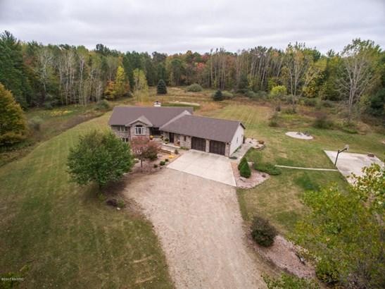 Single Family Residence, Ranch - Rockford, MI (photo 2)