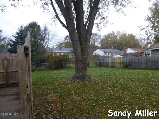 Single Family Residence, Ranch - Wyoming, MI (photo 4)
