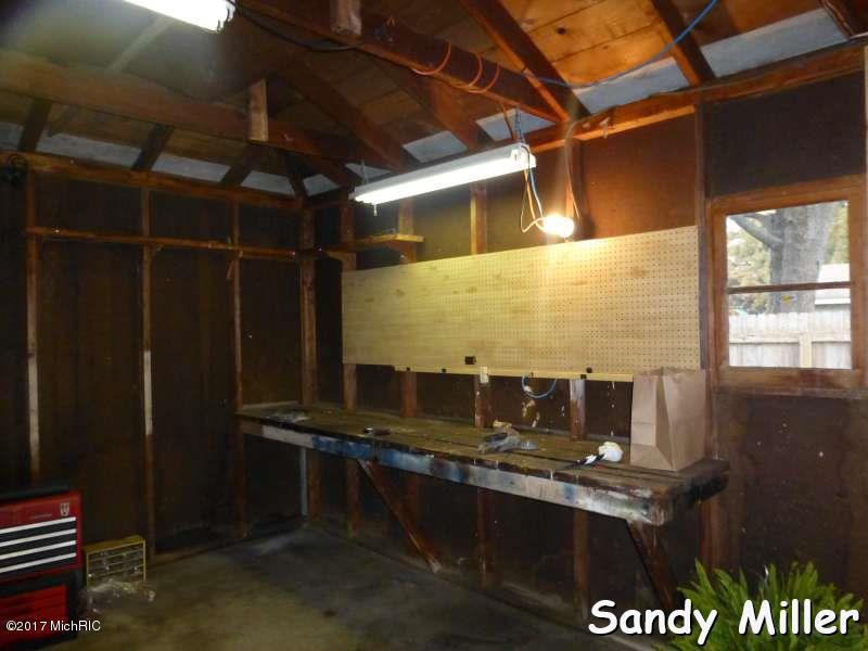 Single Family Residence, Ranch - Wyoming, MI (photo 5)