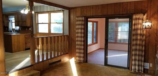 Single Family Residence, Bi-Level - Norton Shores, MI (photo 2)