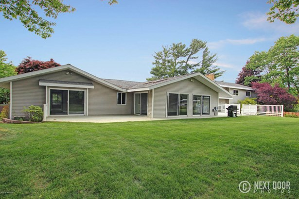 Single Family Residence, Quad Level - Grand Haven, MI (photo 5)