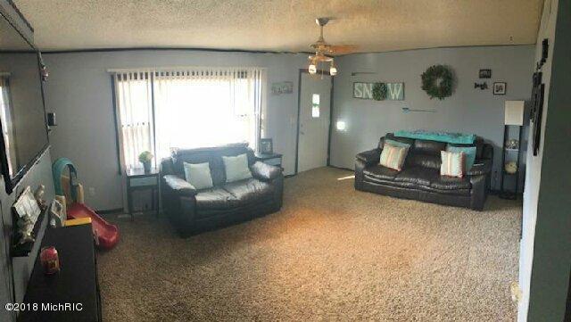 Single Family Residence, Ranch - St. Louis, MI (photo 4)